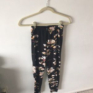 Pants - Black floral leggings
